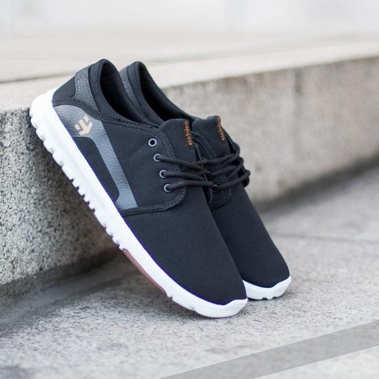 کفش آذرآرتا